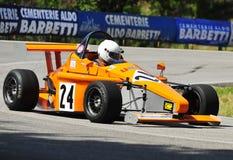 De auto van het roofdier op ras Stock Afbeelding