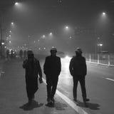 De autoriteiten van Peking voeren het smog waakzame rode niveau op Stock Fotografie