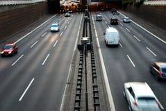 De autosnelweg van auto's Stock Afbeelding