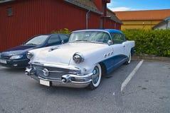Am de autovergadering halden binnen (buick speciale 1956) Stock Afbeelding