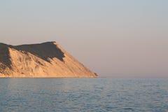 De avond van de bergkustlijn in de Krim Stock Foto's