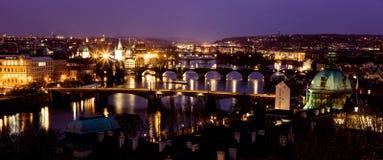 De avond van de bruggenkerstmis van Praag Royalty-vrije Stock Foto