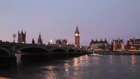 De avond van Londen stock video