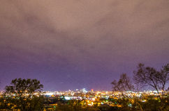 De avondhorizon van Birmingham Alabama stock afbeeldingen