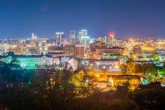 De avondhorizon van Birmingham Alabama royalty-vrije stock fotografie