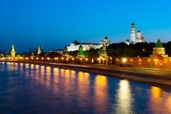 De avondlandschap van het Kremlin Royalty-vrije Stock Afbeeldingen