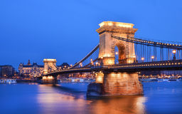 De avondmening van de Kettingsbrug, de Donau en Buda zijf Stock Foto