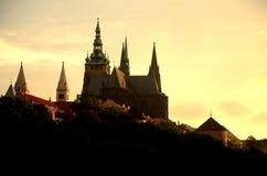 De avondsilhouet van Prag royalty-vrije stock fotografie