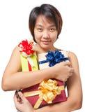 De Aziatische verpakte gift van het vrouwen korte haar greep Stock Afbeeldingen