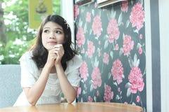 De Aziatische vrouwen van Nice portraut binnen Stock Foto's