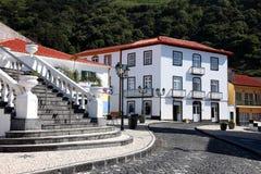 De Azoren, Sao Jorge, Velas, treden aan shoppingstreet Stock Afbeeldingen