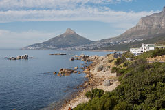 De Baai en Leeuwen HoofdKaapstad Zuid-Afrika van kampen Stock Foto