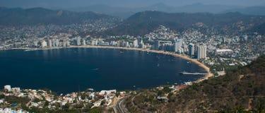 De Baai Panoramische Ariel van Acapulco Stock Afbeeldingen