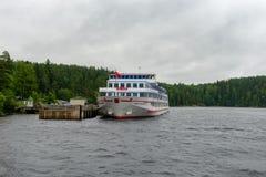 De Baai van Bolshayanikonovskaya op het Eiland Valaam Stock Foto