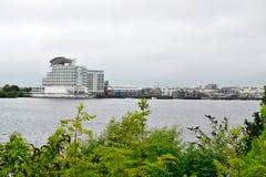 de Baai van Cardiff in Wales, het UK stock afbeelding