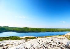 De baai van de kola in het noorden van Rus stock afbeelding