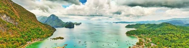 De baai van Gr Nido stock afbeelding