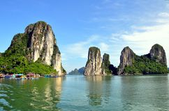 De Baai van Halong, Vietnam Stock Afbeeldingen