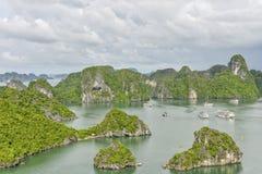 De baai van Halong, Vietnam Stock Foto