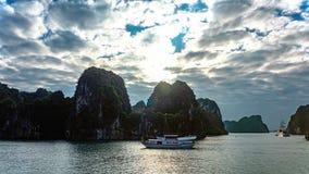 De baai van Halong, Vietnam Royalty-vrije Stock Afbeeldingen
