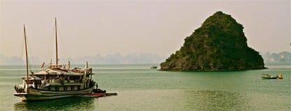 De baai van Halong, Vietnam stock fotografie
