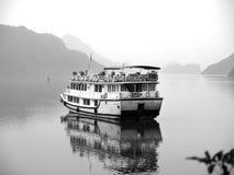 De baai van Halong, Vietnam De Plaats van de Erfenis van de Wereld van Unesco Populairste pl Royalty-vrije Stock Fotografie