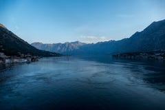 De Baai van Kotor in vroege ochtend Royalty-vrije Stock Foto's