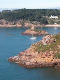 De Baai van Portelet, Jersey Stock Foto's