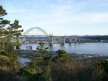 De Baai van Yaquina van de Brug van Nieuwpoort Oregon Royalty-vrije Stock Afbeeldingen