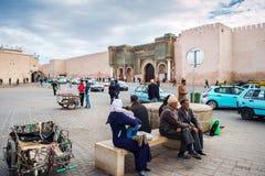 De Bab Mansour-poort in Mequinez, Marokko stock afbeelding
