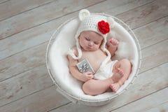 De baby die Kerstmis dragen draagt Hoed stock afbeelding
