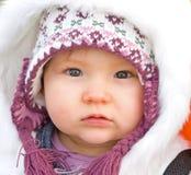 De baby kleedde zich voor koud weer. Royalty-vrije Stock Foto