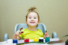 De baby trekt met vingers Royalty-vrije Stock Foto's