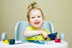 De baby trekt met vingers Royalty-vrije Stock Afbeeldingen