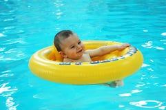 De Baby van de pool Stock Fotografie
