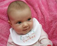 De baby van de zondag stock fotografie