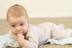 De Baby van het tandjes krijgen Stock Foto