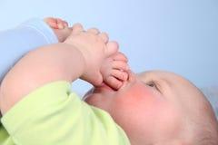 De baby zoogt voet Royalty-vrije Stock Foto's
