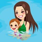 De Babymeisje van het mammaonderwijs het Zwemmen vector illustratie