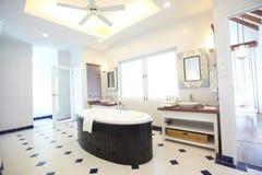 De badkamers van de luxe Stock Afbeeldingen
