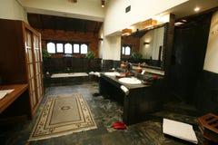 De badkamers van de luxe ensuite Royalty-vrije Stock Foto's