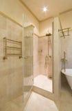 De badkamers van ?omfortable Royalty-vrije Stock Afbeelding