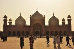 De Badshahi-Moskee bij schemer, Lahore, Pakistan Royalty-vrije Stock Afbeeldingen