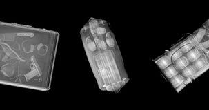 De bagagelijn van de röntgenstraalcontrabande stock videobeelden