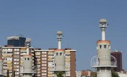 De bakens van een industrieterrein, dichtbij de Sants-trein worden gevestigd die Stock Afbeelding