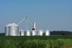De Bakken van de Opslag van het landbouwbedrijf Stock Foto's