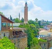 De baksteen gecanneleerde minaret royalty-vrije stock fotografie