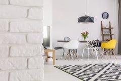 De bakstenen muren zijn niet alleen voor buitenkanten Royalty-vrije Stock Fotografie