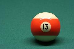 De bal nummer 13 van de pool Stock Foto's