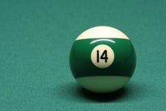 De bal nummer 14 van de pool Stock Afbeeldingen